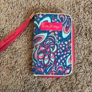 Lily Pulitzer wallet wristlet in blue/pink pattern